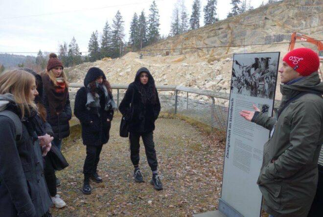 Schüler der S11 beim Besuch der KZ-Gedenkstätte Flossenbürg