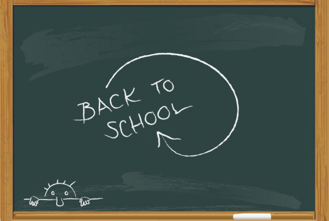 "Tafel mit ""Back to school"""